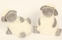 Sitzendes Schaf
