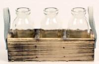 Holzkiste mit 3 Vasen