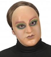 Gesichtsmaske junge Frau