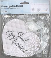 Hochzeitsgirlande mit Blumen & Herzen