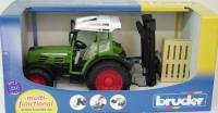BRUDER Traktor Fendt Farmer 2009 S mit Anbaustapler